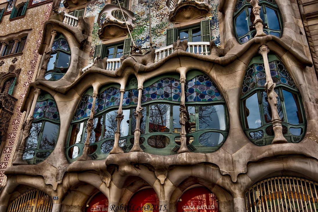 Casa Batllo by forgottenson1