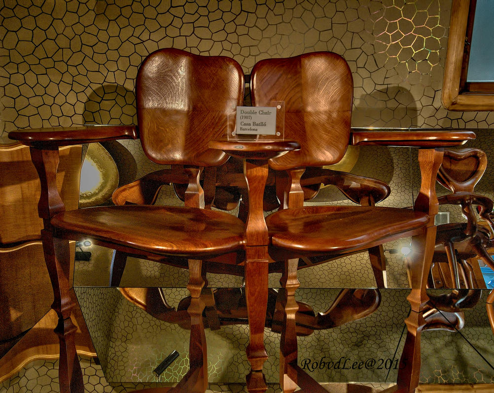 Double chair by forgottenson1