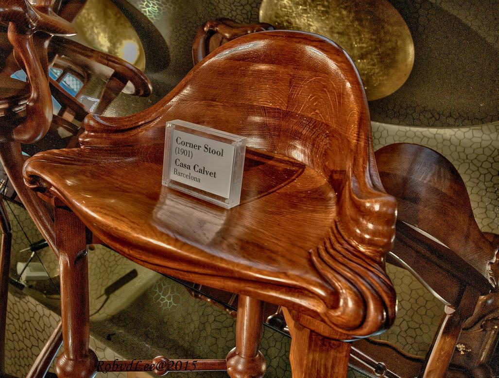 Corner stool by forgottenson1