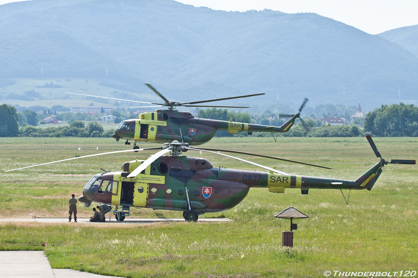 Mi-17 0820 and 0827