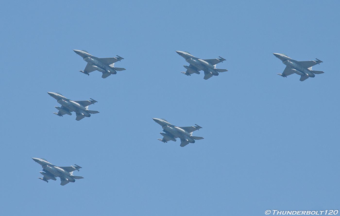 6x F-16