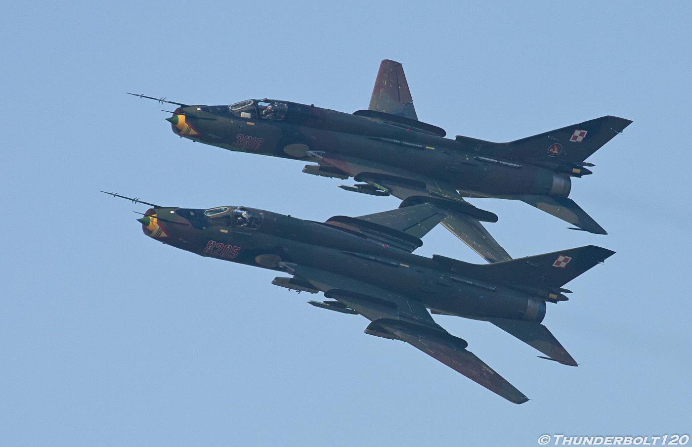 2x Su-22