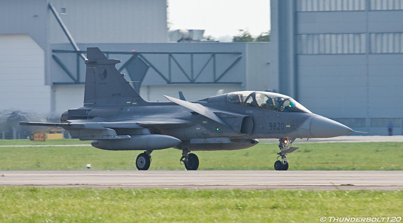JAS-39D Gripen 9820