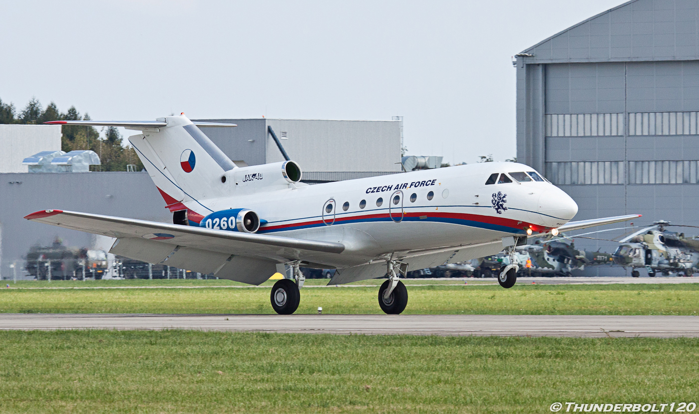 Jak-40 0260