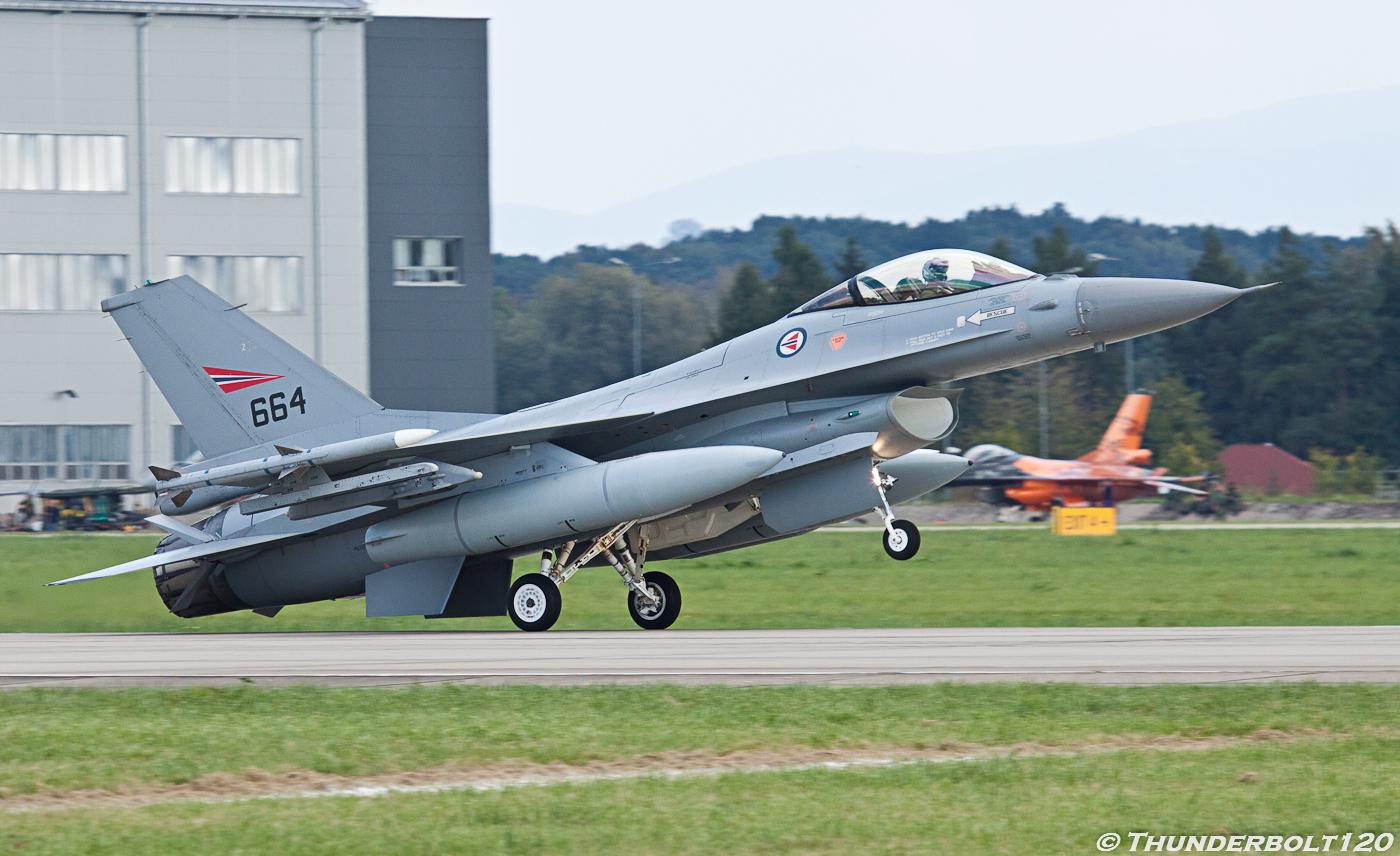 F-16A Fighting Falcon 664