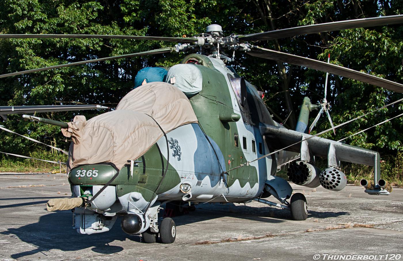 Mi-24V Hind 3365