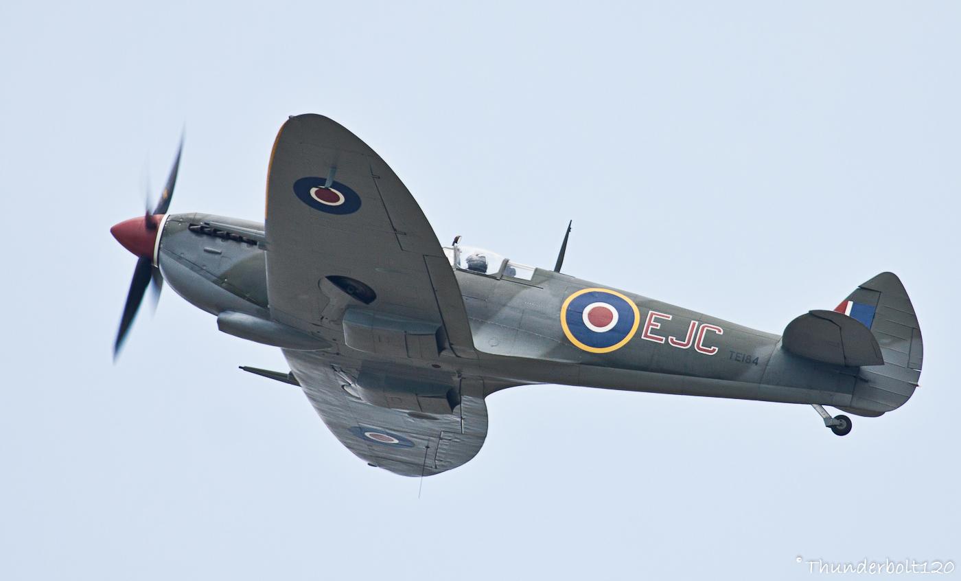 Supermarine Spitfire LF.XVIe G-MXVI / TE184/EJC