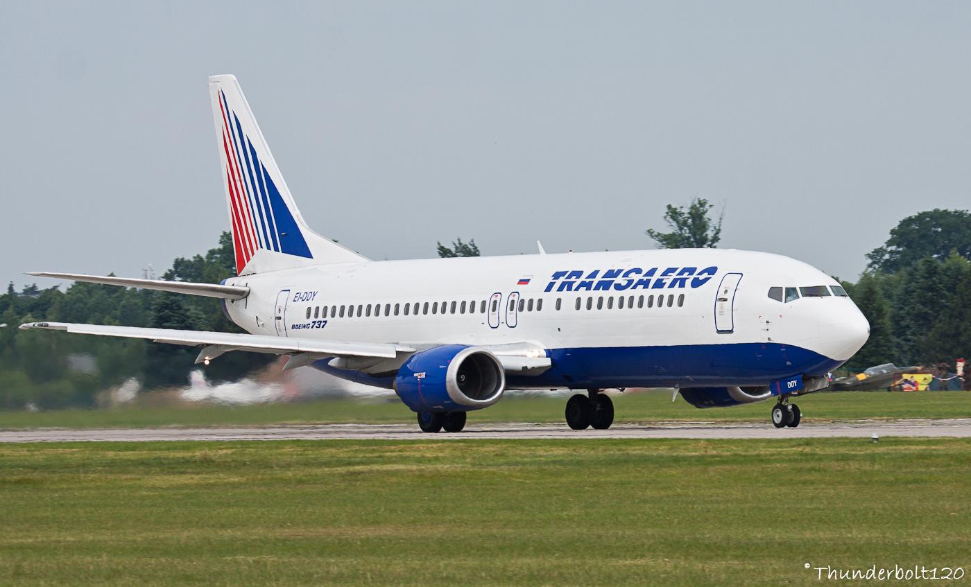 Boeing 737-4Y0 EI-DDY