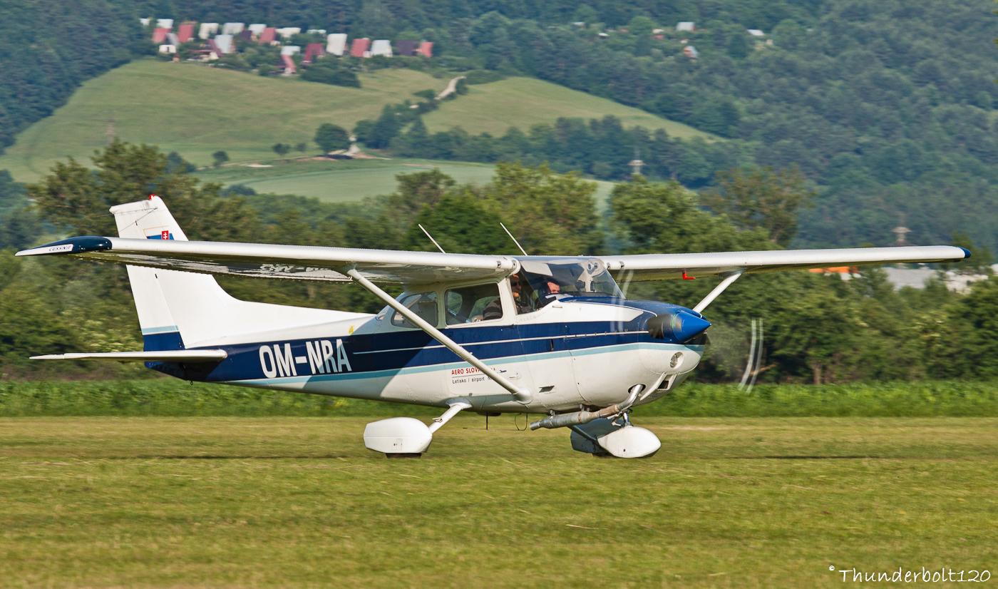 CESSNA C-172N Skyhawk OM-NRA