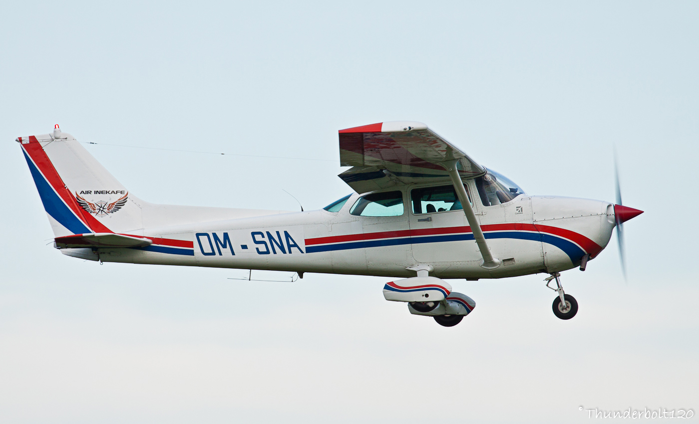 CESSNA C-172P Skyhawk OM-SNA