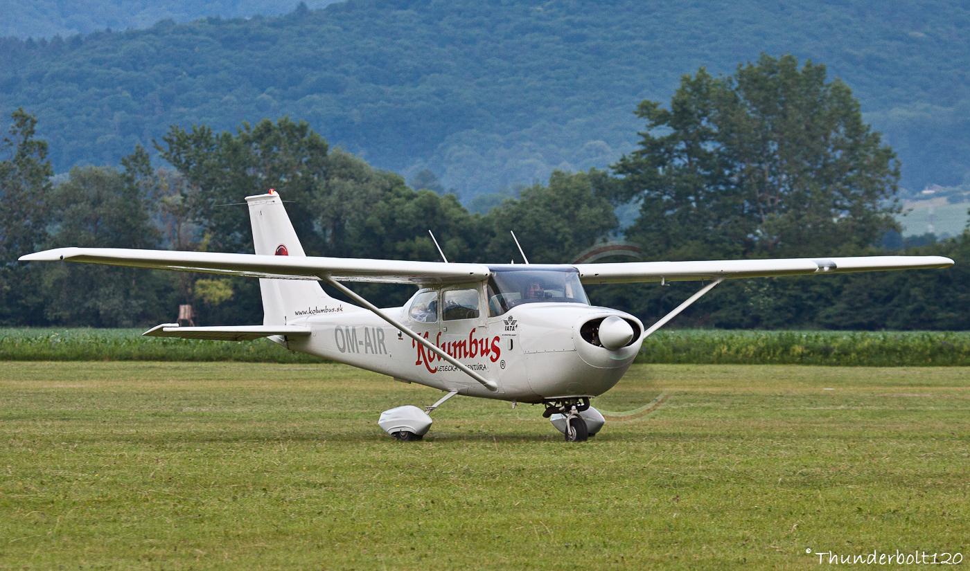 CESSNA FR172G Skyhawk OM-AIR