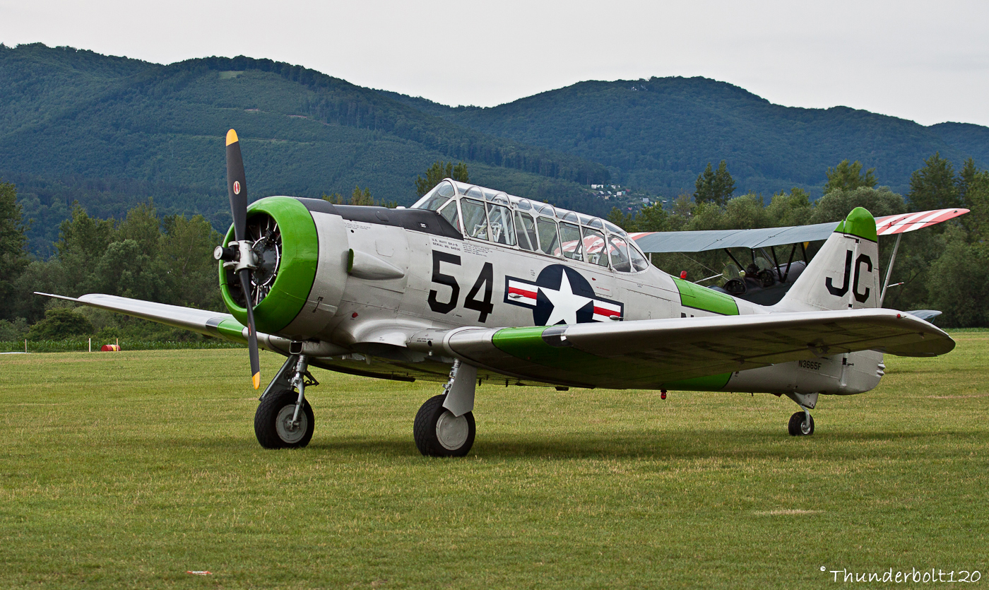 North American SNJ-5 Texan N3665F