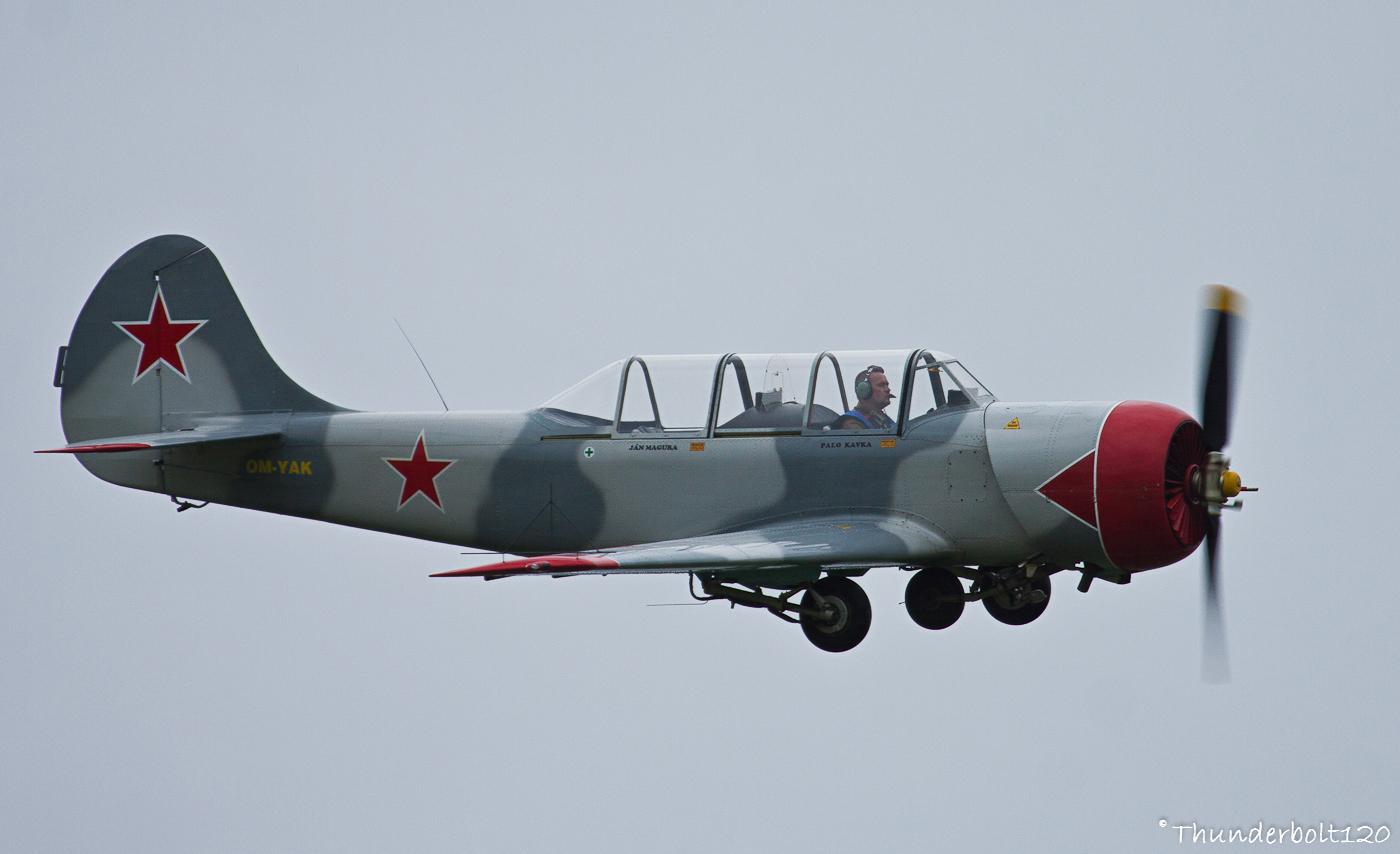 Jak-52 OM-YAK