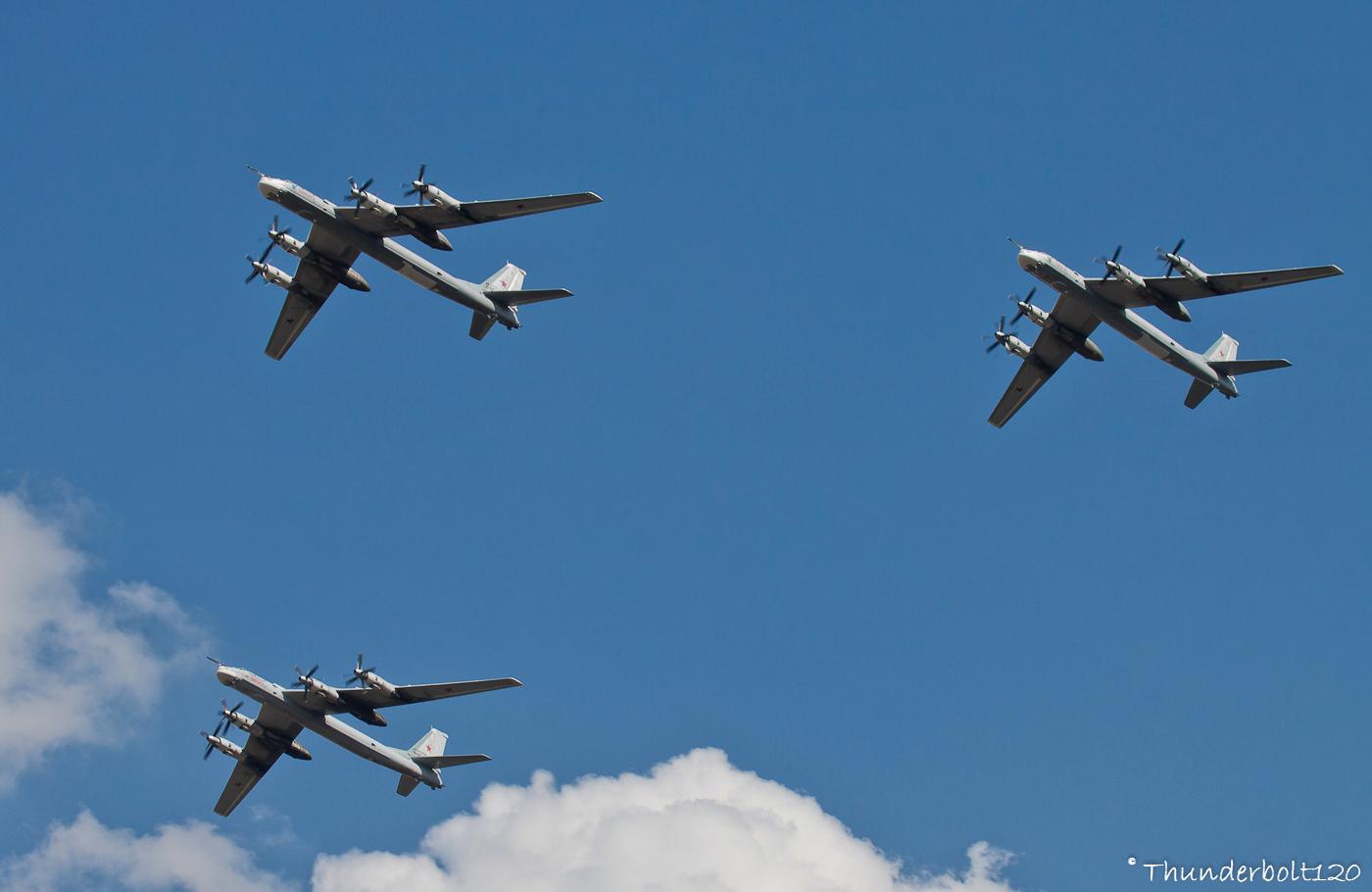 3x Tu-95MS