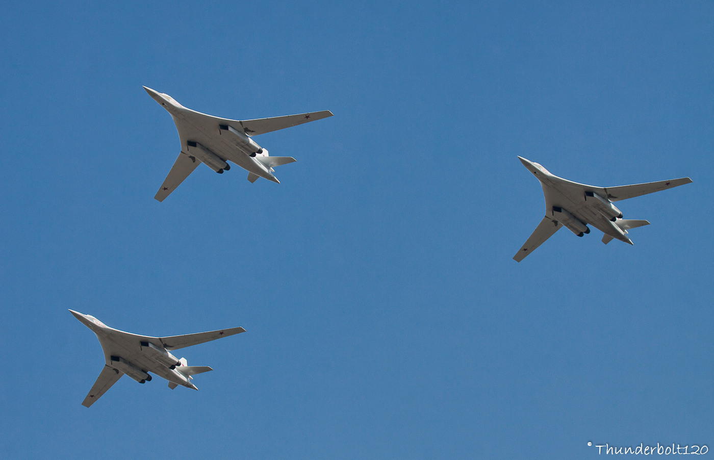 3x Tu-160