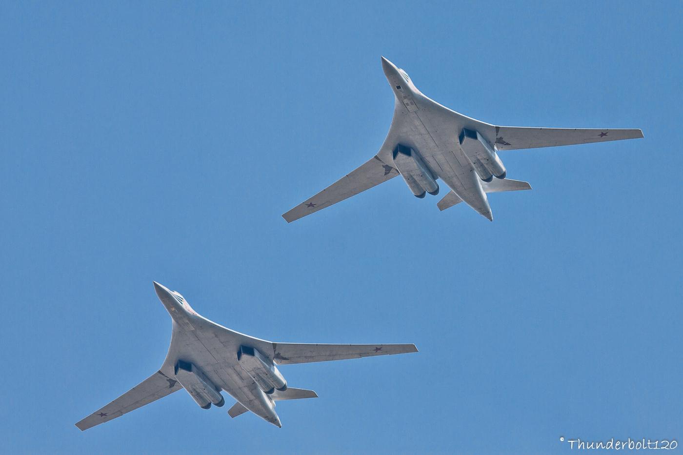 2x Tu-160