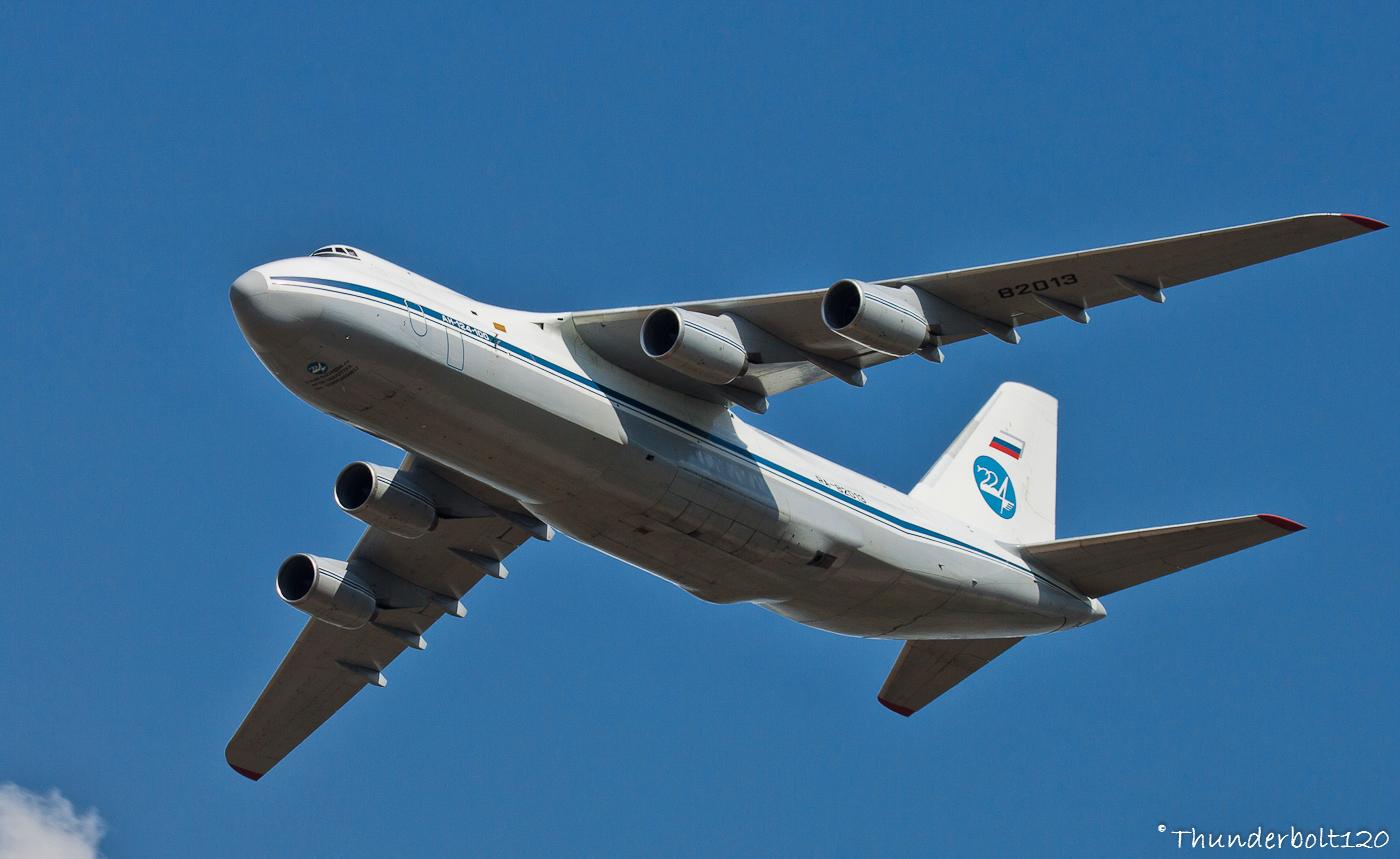 Antonov An-124-100 Ruslan RA-82013