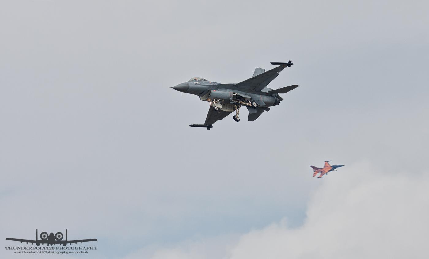 2x F-16AM