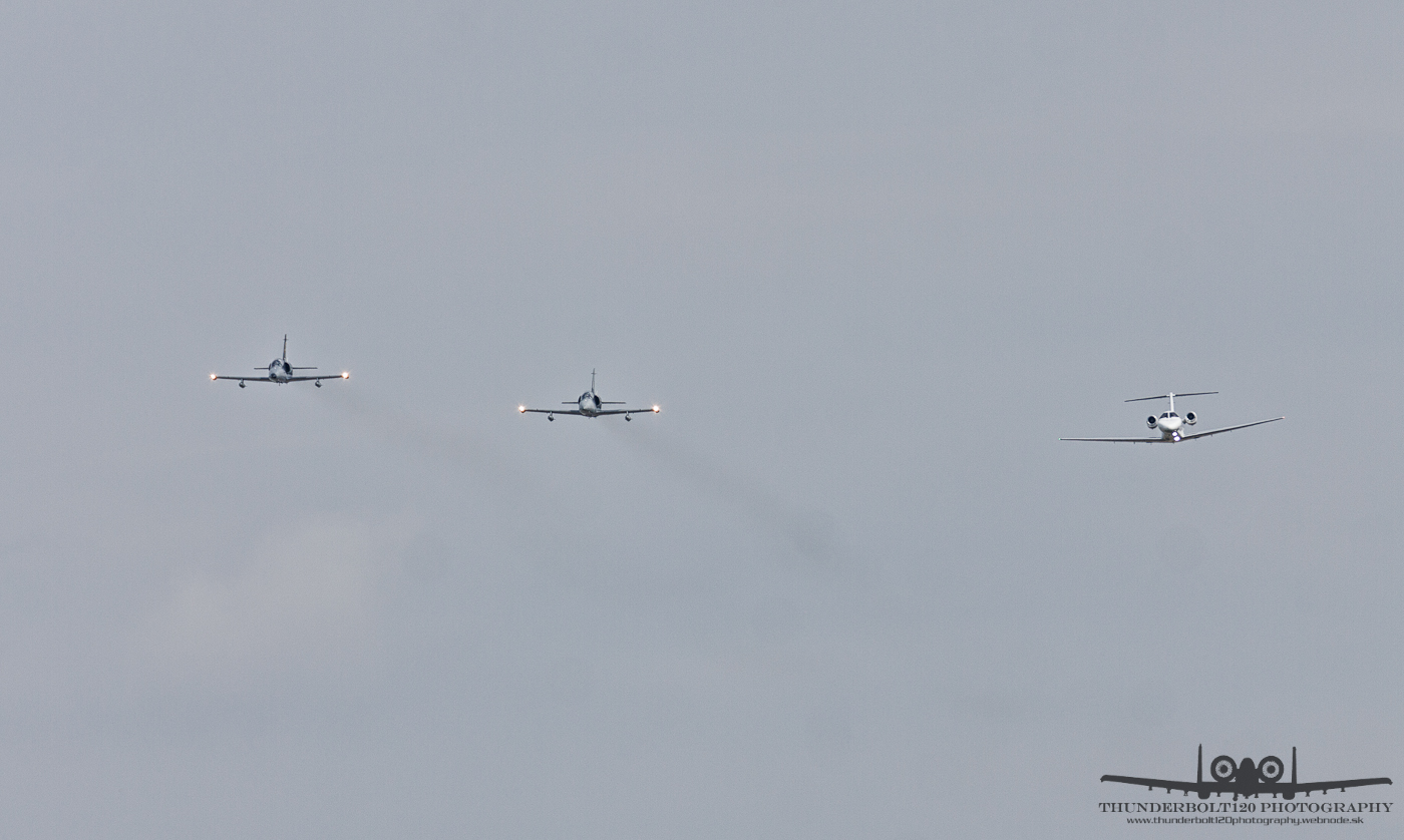 2x L-39 and Cessna 525A
