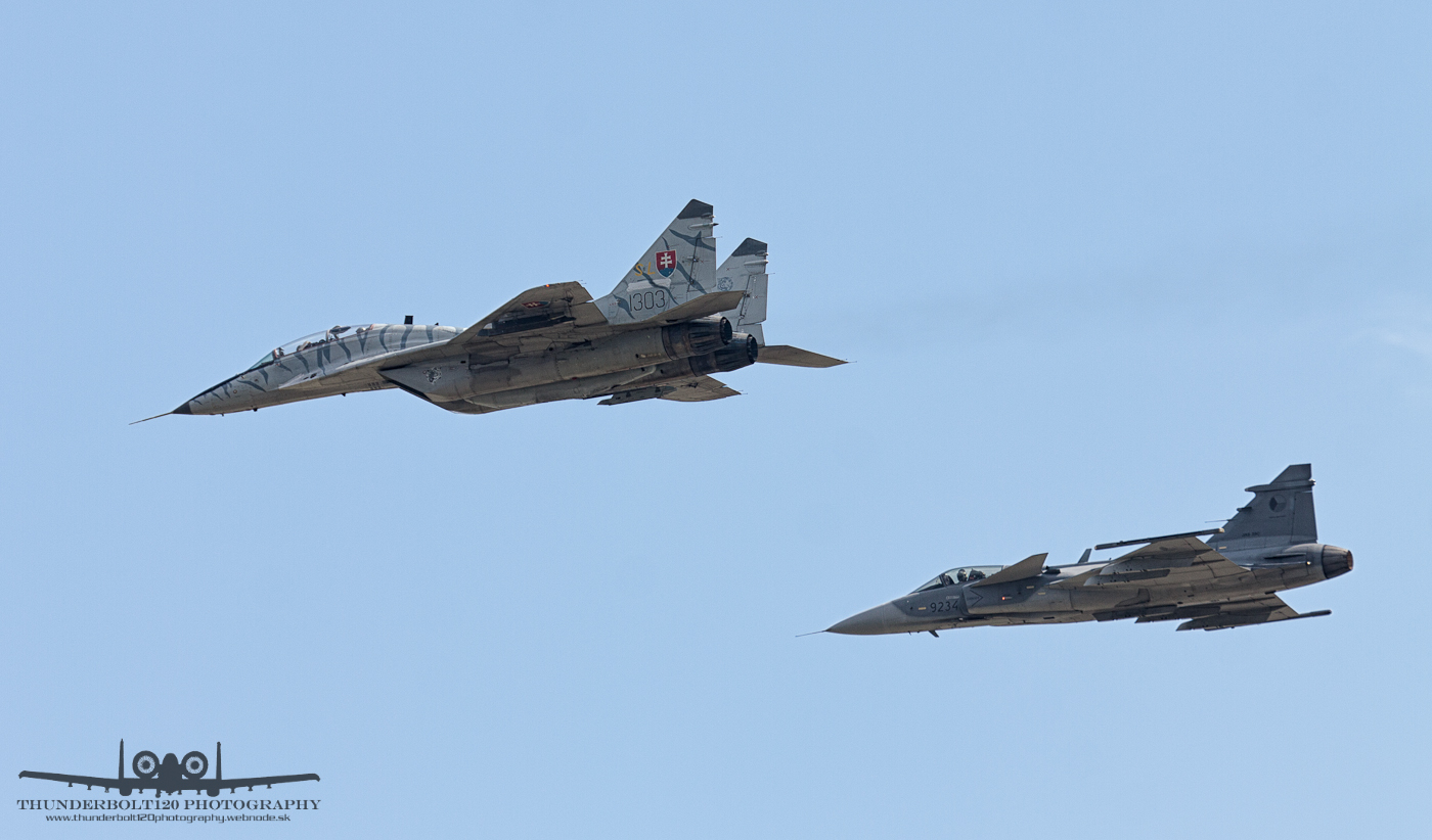MiG-29UBS and JAS-39C Gripen