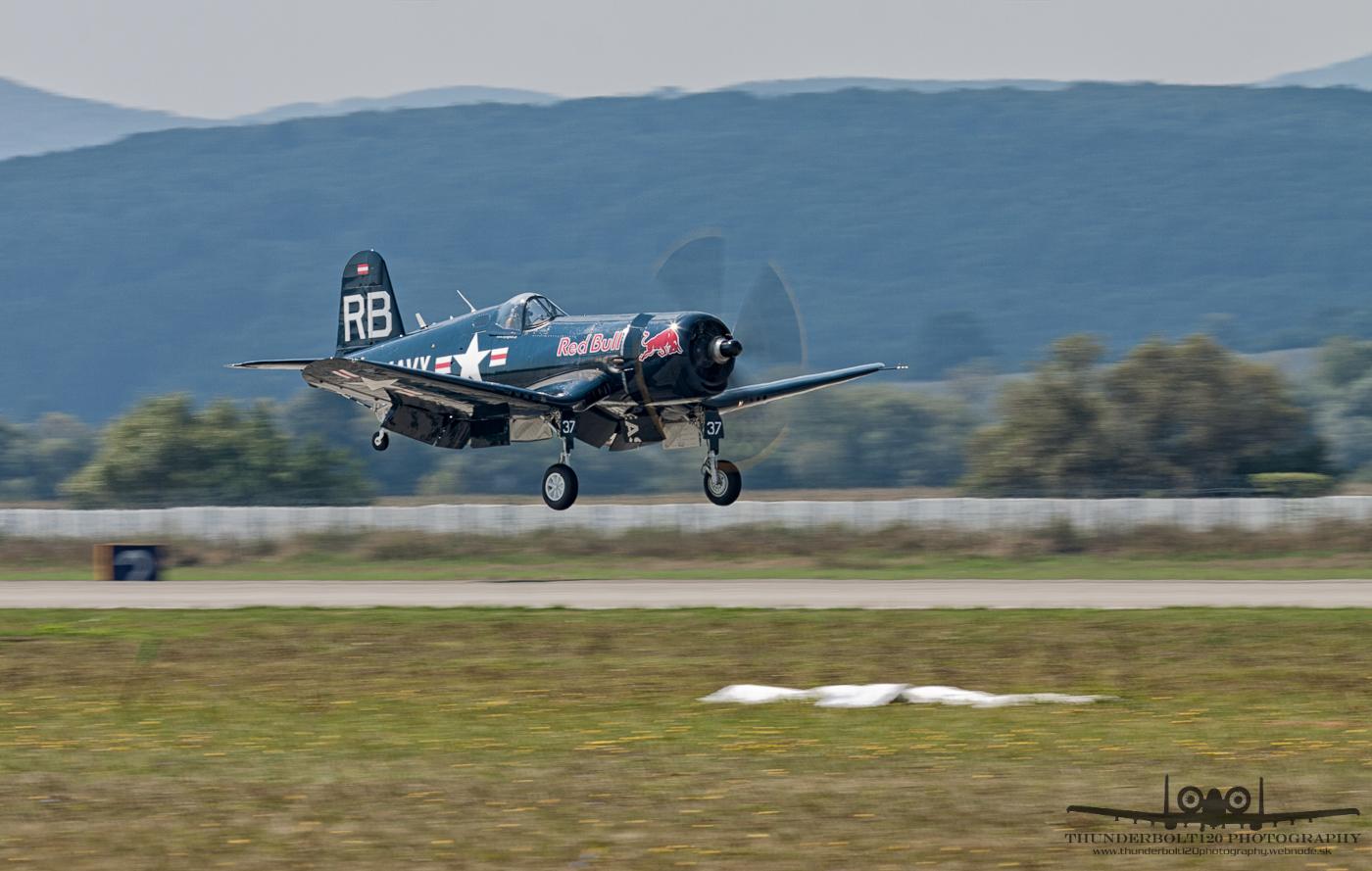 Vought F4U-4 Corsair OE-EAS