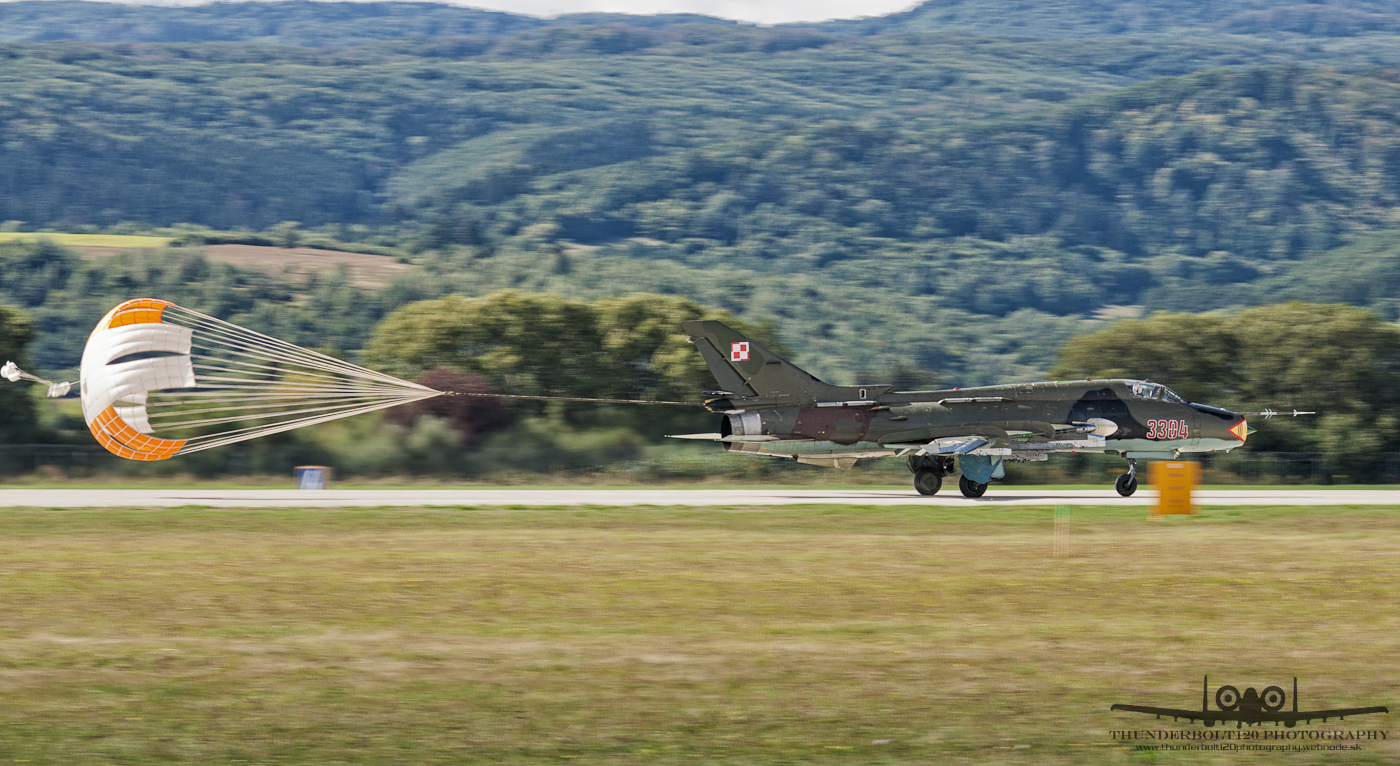 Sukhoi Su-22M4 3304