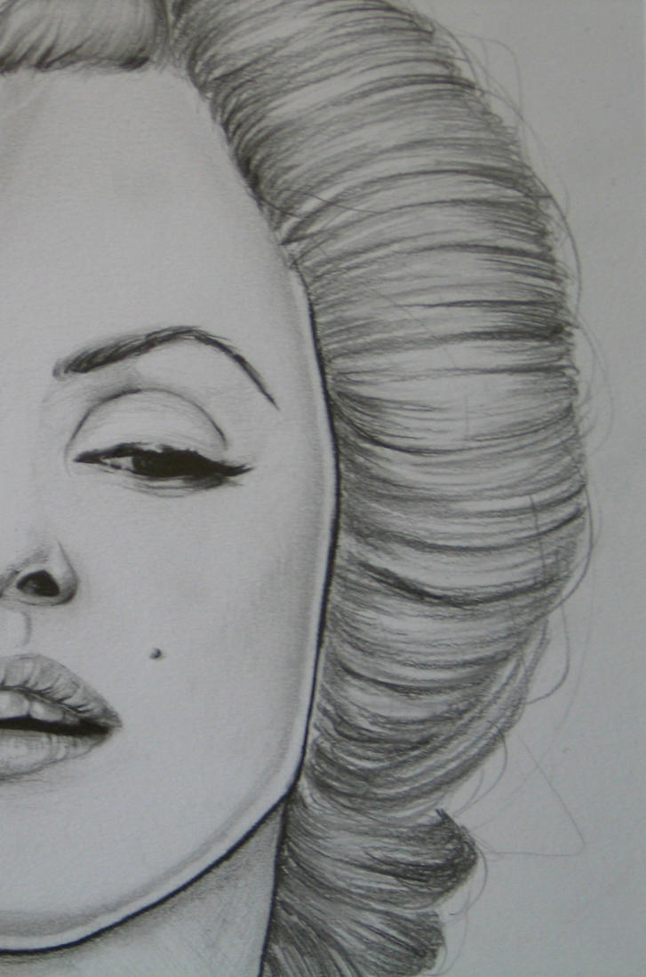 Marilyn Monroe by Madame-Lullaby