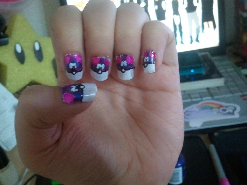 8 ball nail art ~ Beautify themselves with sweet nails