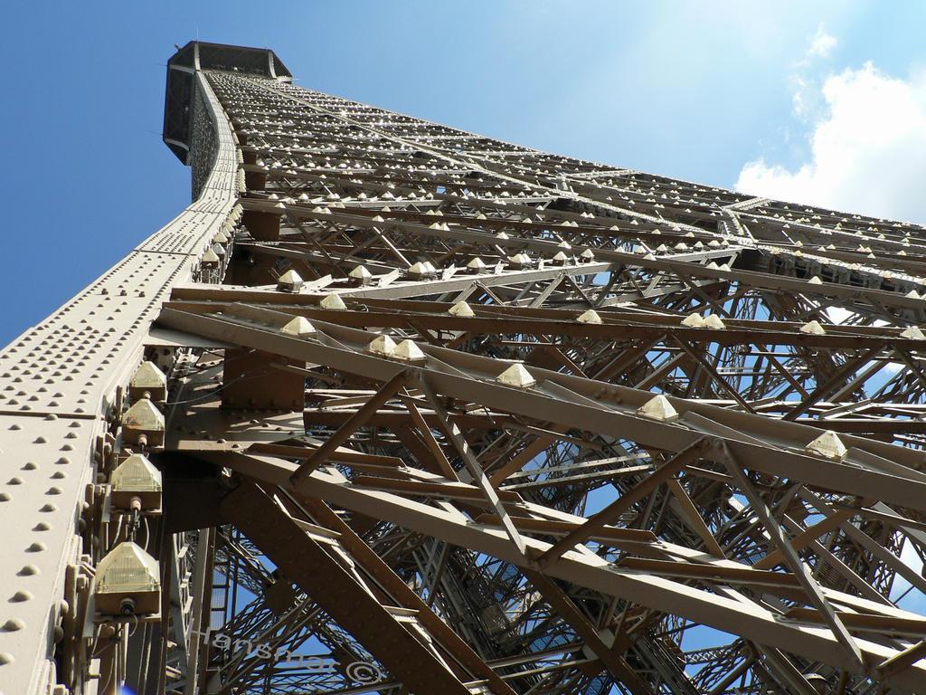 Les details d'Eiffel by Hansmar