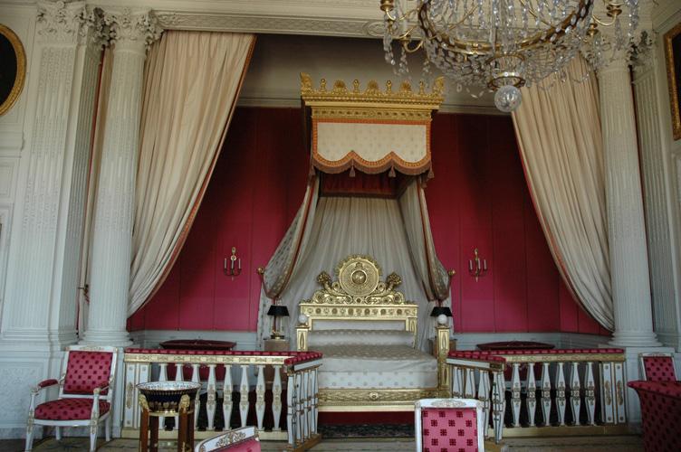 La chambre de la reine by mendan on deviantart for Chambre de la reine