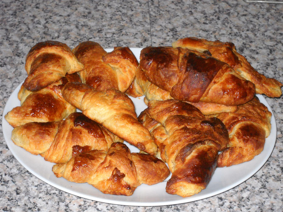 Croissants by Bisected8