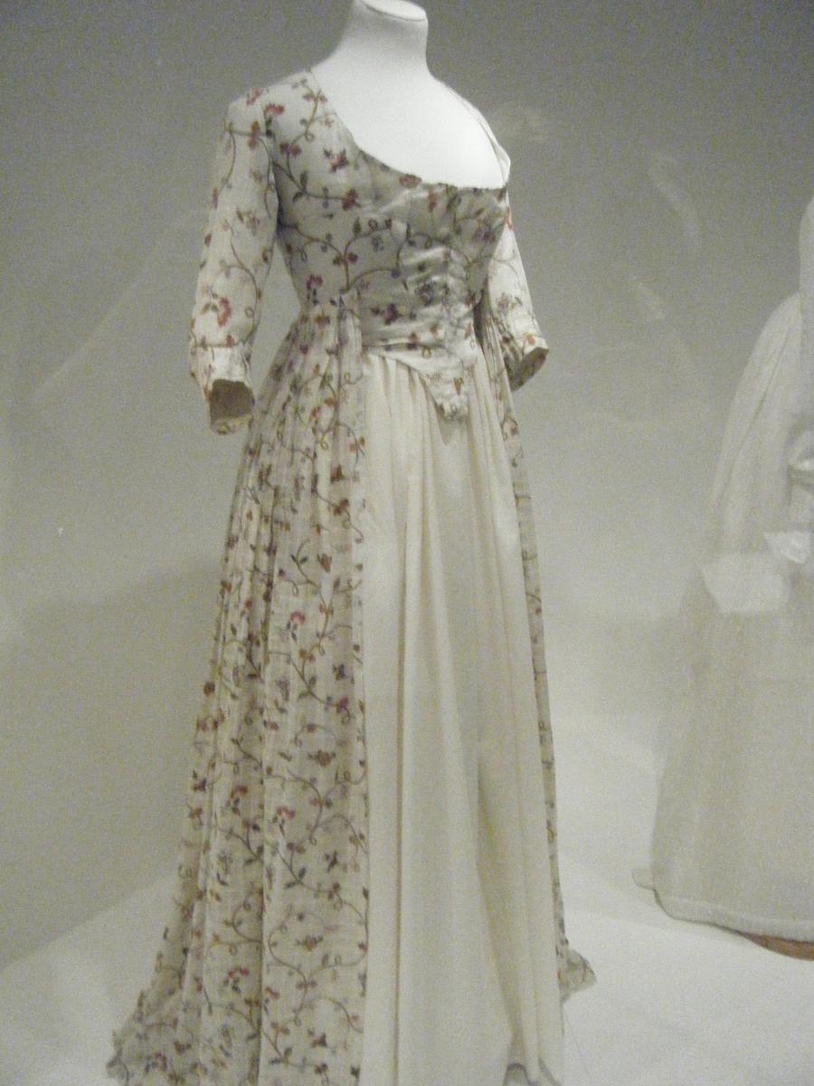 1800s Cream Jane Flowing Dress by TuderianArtiste