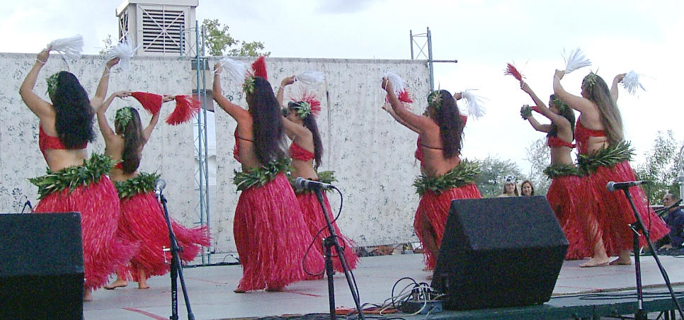 Hula Dancers by PatGoltz