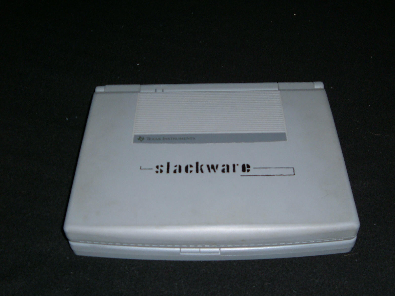 Slackware Laptop by PHREAKuencies