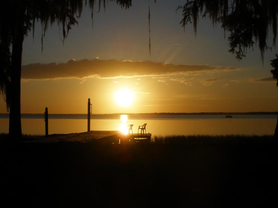Lake Harris Sunset by baronbeandip