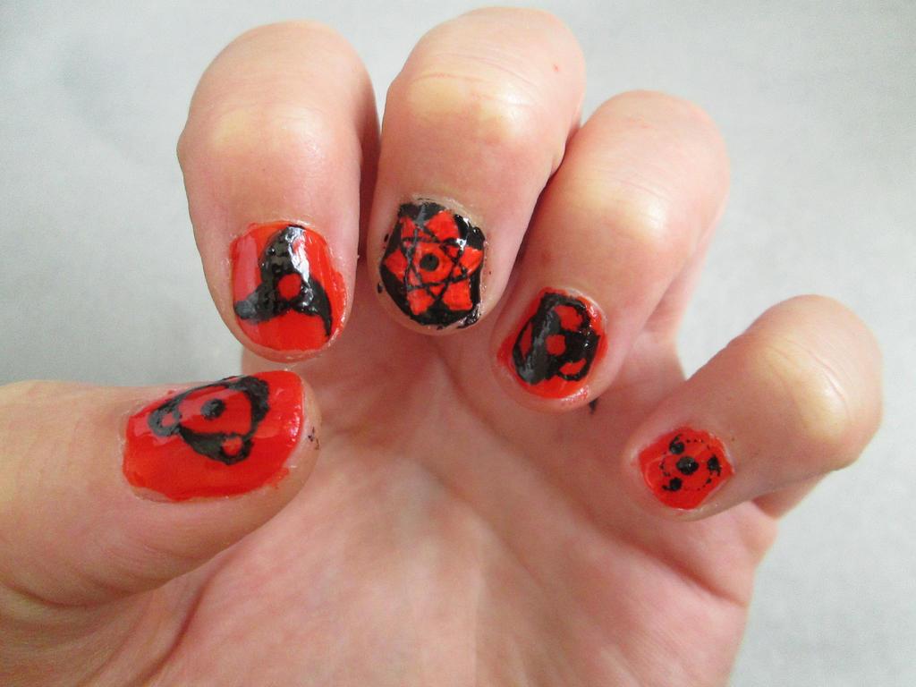 Naruto nails - Uchiha eyes by Otamio on DeviantArt