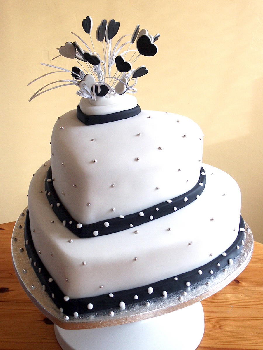 ... Black And White Wedding Cake By Franbann