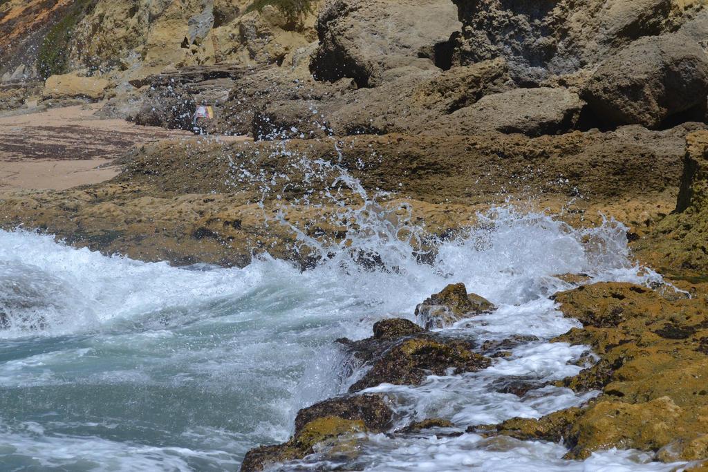 Waves 3 by suntwirl