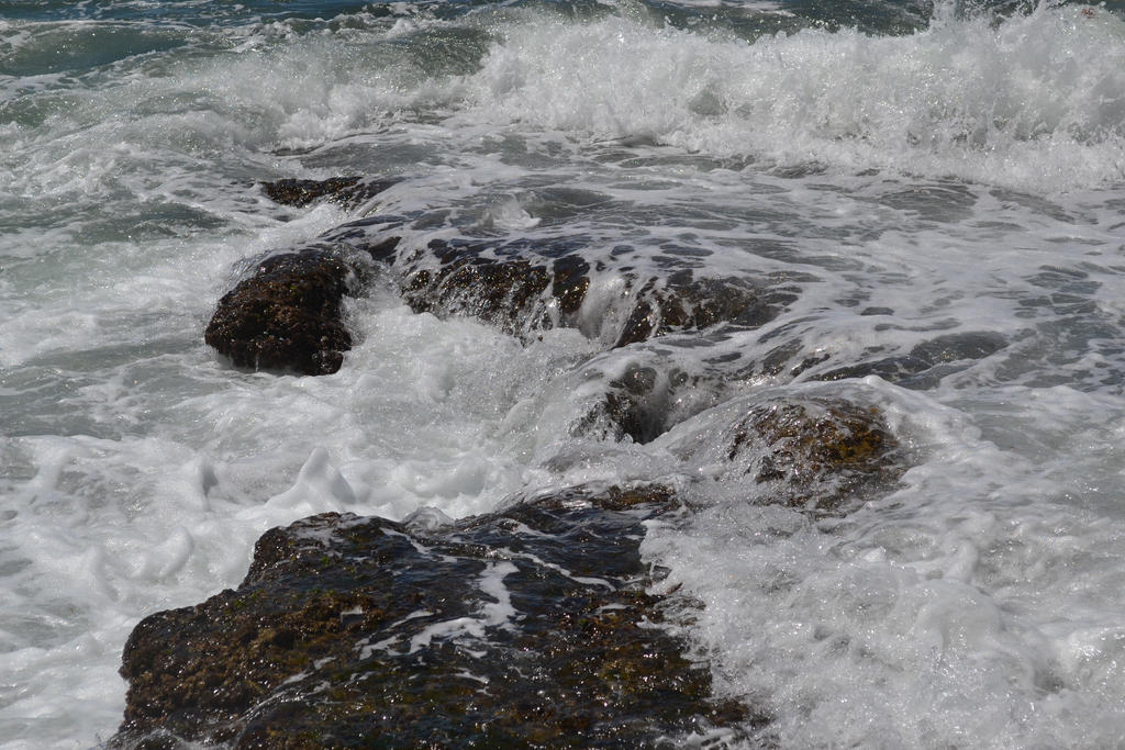 Waves 5 by suntwirl