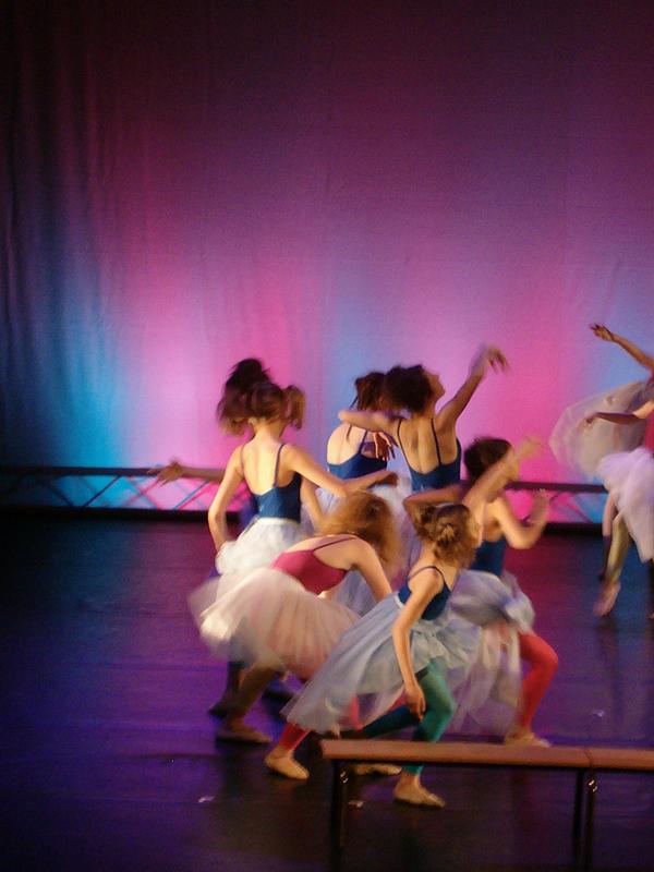 dance by delouzen