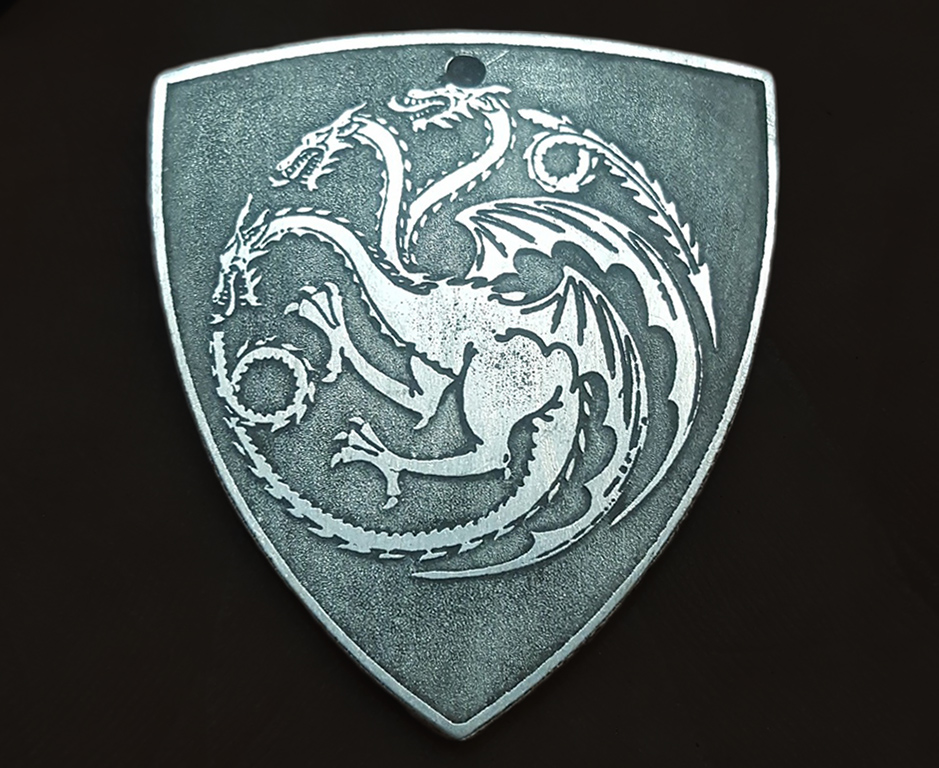 A Song of Ice and Fire: House Targaryen pin badge by cuestickGenius