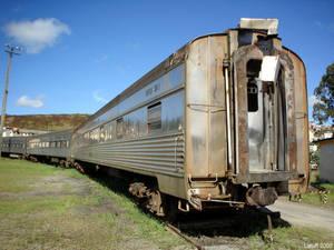 Trem de prata abandonado 3