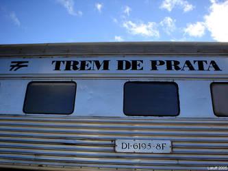 Trem de prata abandonado 1