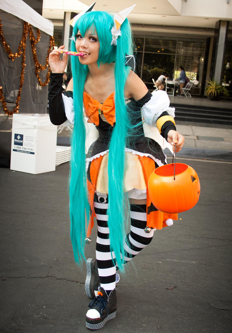 Hatsune Miku Halloween ver. - Miku Expo by EriTesPhoto