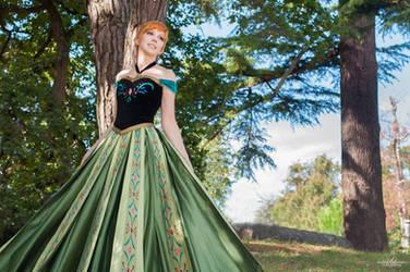 Anna ~ Coronation  FROZEN by Lye1