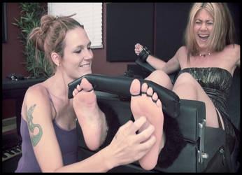 Jennifer  Aniston tickling fake by pepecoco
