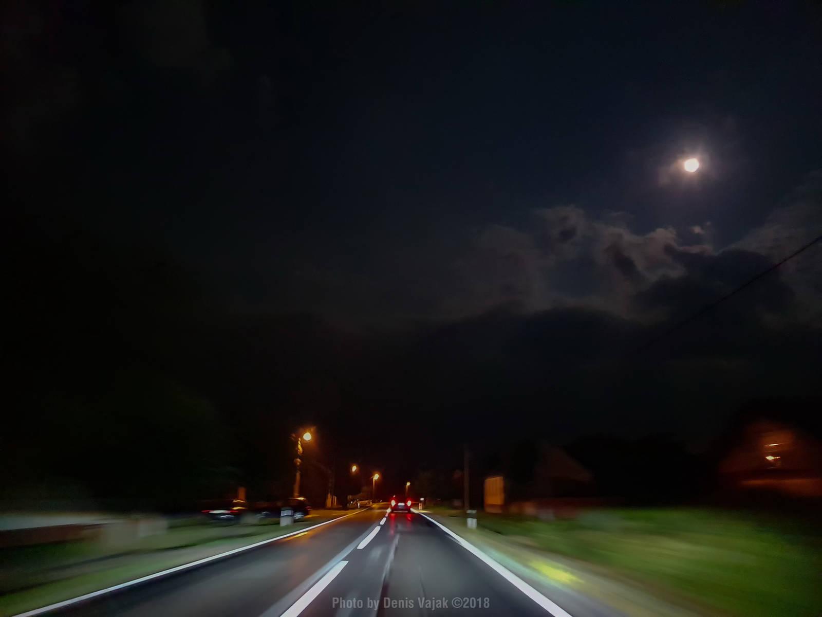 Moonlight Shadow 2018-08-26 by Thorinair