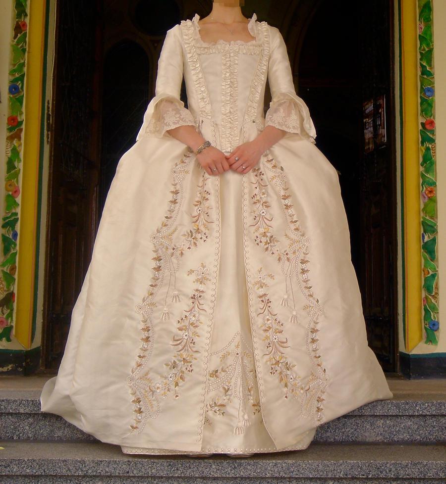Wedding dress by FreyaAbendstern
