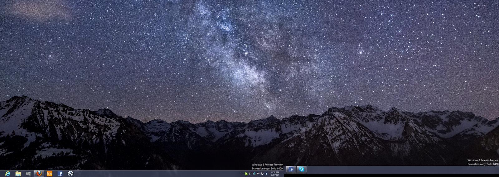 Windows 8 Release Preview Desktop by GateFan