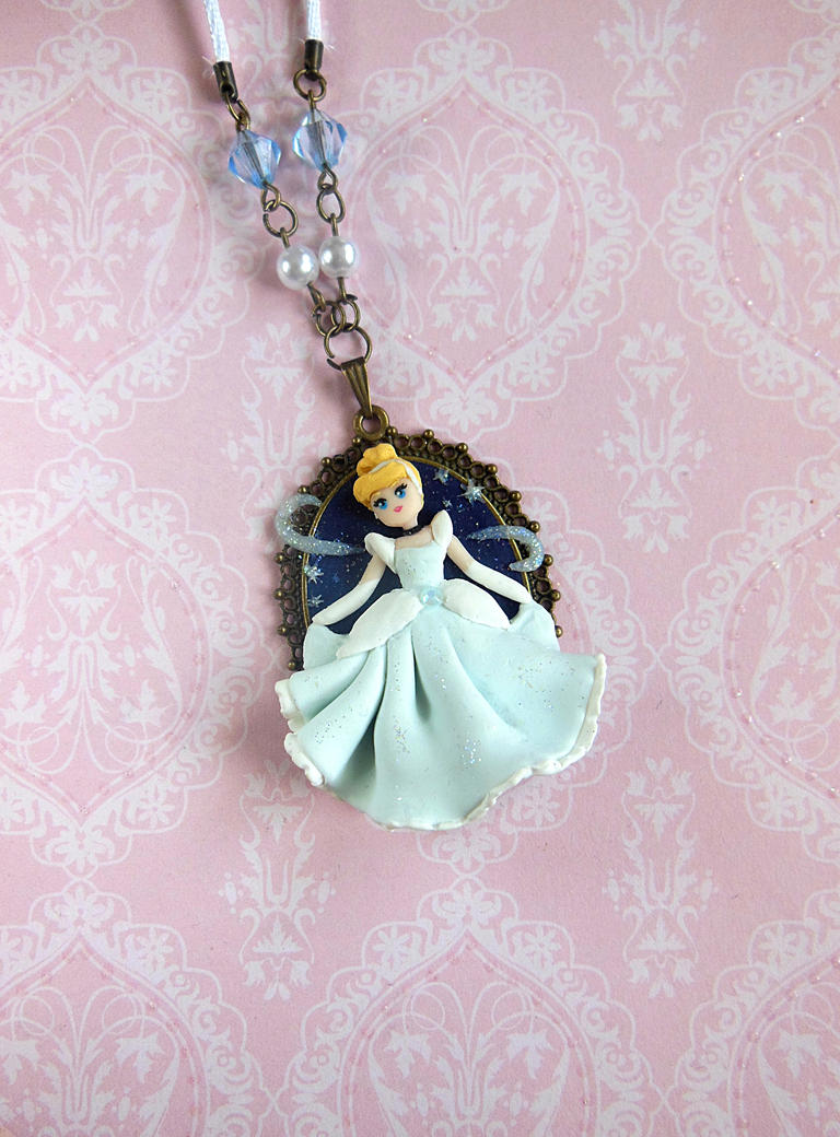 Cinderella Cameo by LittleBreeze